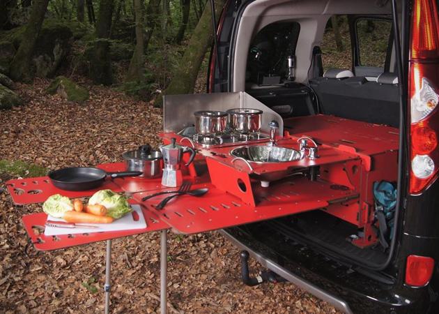 Módulo-de-acampamento-para-carros-inspirado-em-canivete-suíço-Ideagrid-_01
