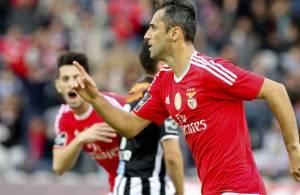 Jonas marcou três vezes na goleada benfiquista frente ao Nacional da Madeira