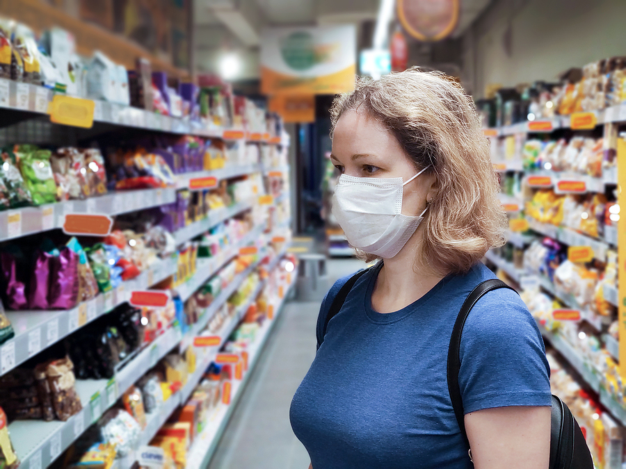 Pandemia: Coronavirus And Retail Concept, Young Woman Wearing Medical Mask