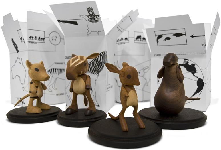04-toys_extinct_animals