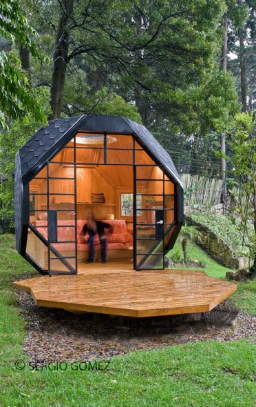 Mod-Outdoor-Polyhedron-Playhouse (1)