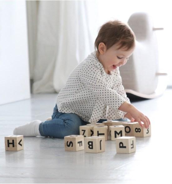 oohnoo-alphabet-blocks-black