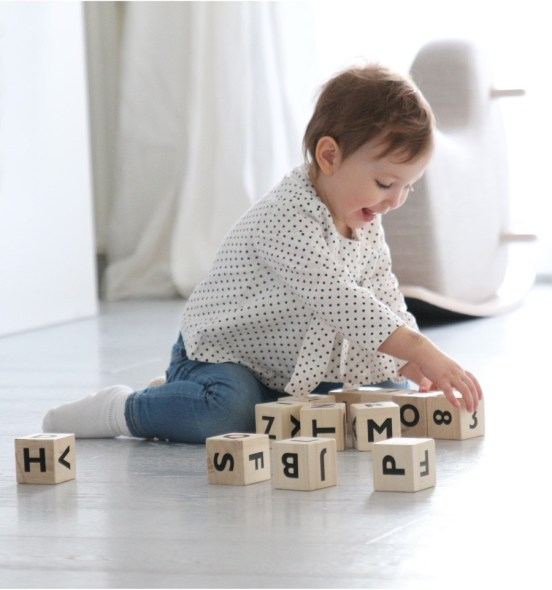 oohnoo-alphabet-blocks-black