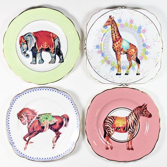 yvonne_elles_vintage_circus_plates_set