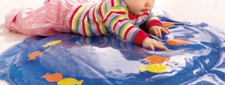 <!--:it-->Il bambino si muove e i pesci nuotano<!--:-->