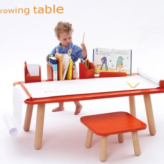 Tavolo multifunzionale che cresce con i nostri bimbi