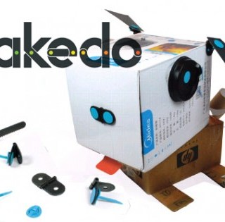Cartone e giocattoli creativi con Makedo