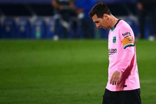 ميسي حزين بعد خسارة برشلونة من خيتافي قبل اسبوع من الكلاسيكو