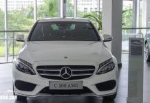 Cận cảnh Mercedes C300 AMG 2018 giá 1 tỷ 949 triệu tại Việt Nam
