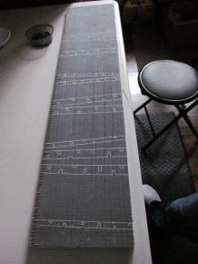 Looking lengthwise at the pattern transferred onto the wedi