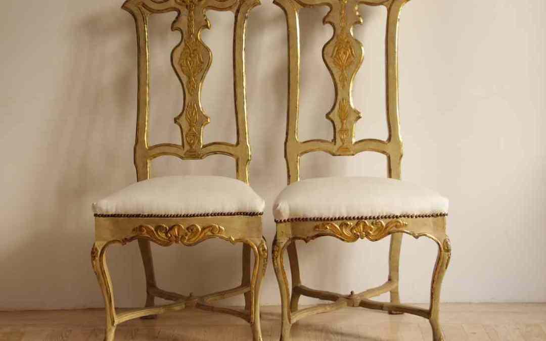 Pareja de sillas lacadas