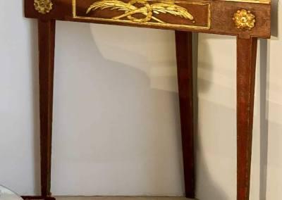 Consola de Esquina Lacada y Dorada Carlos III
