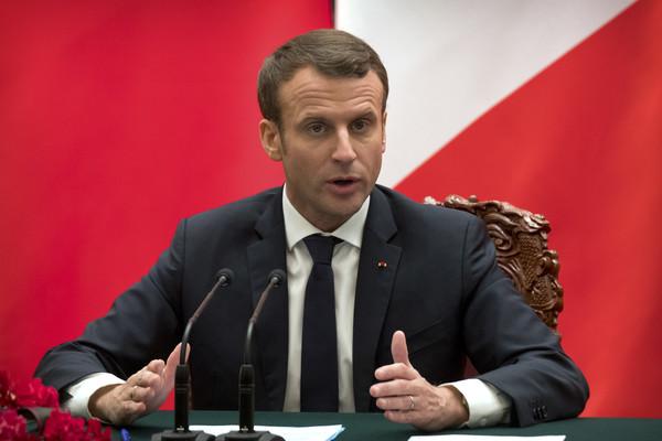 Macron à encore frappé.