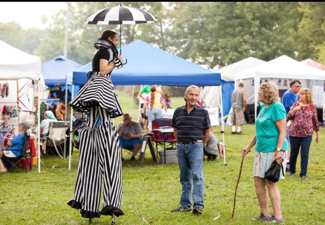 Stilt Walker at Pioneer Days