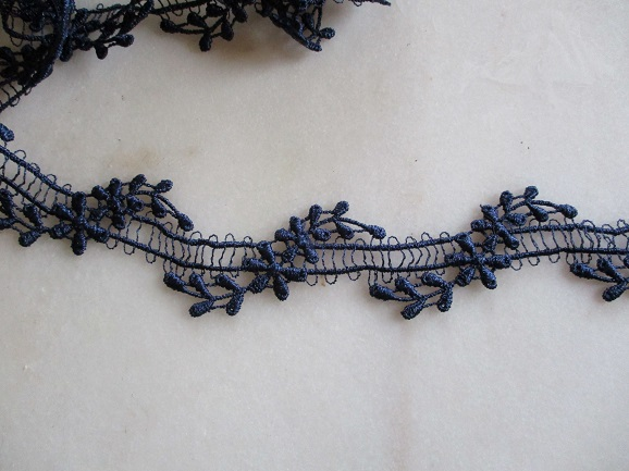 réf 10-p-30-038 ruban de dentelle fine bleu marine