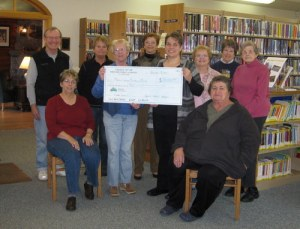 Friends of MPL donate to building fund