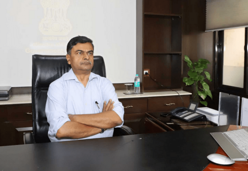 RK Singh Advises Generation Companies to Utilize Renewables to Meet Commitments