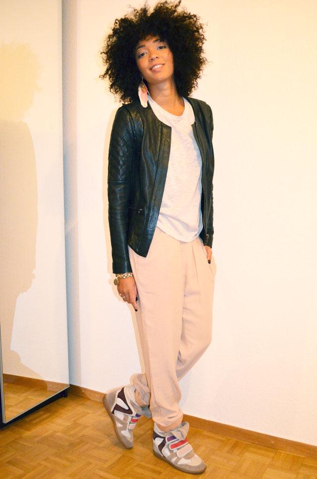 mercredie-blog-mode-afro-hair-natural-cheveux-nappy-style-look-pantalon-ample-mango-t-shirt-clous-studded-blouson-cuir-bel-air-sneakers-isabel-marant-bois-de-rose-2
