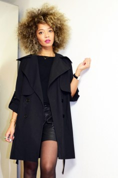 mercredie-blog-mode-beaute-geneve-trench-coat-carven-paris-black-ysl-lipstick-rose-perfecto-curly-natural-afro-blonde-bleached-hair-christophe-robin-baby-blond-masque-correcteur