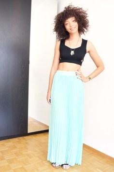 mercredie-blog-mode-beaute-jupon-jupe-longue-asos-crop-top-brassiere-tendance-afro-hair-sandales-ersatz-minnetonka4