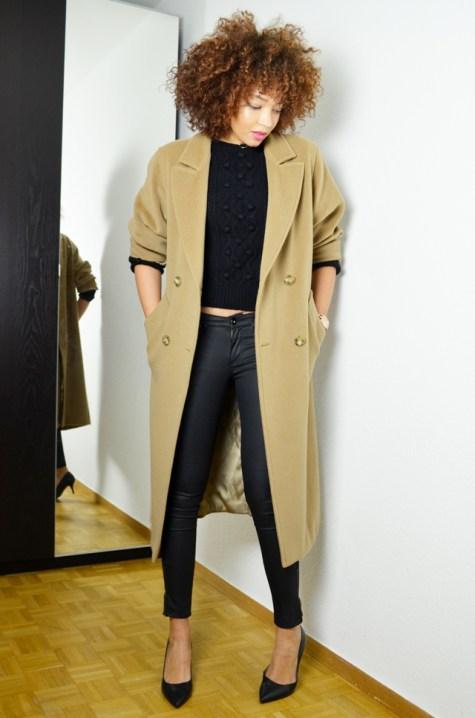 mercredie-blog-mode-geneve-oversized-coat-boyfriend-manteau-long-beige-camel-max-mara-maxmara-pochette-bcbg-maxazria-escarpins-taupage-hair-afro-natural-curls-curly-nappy4