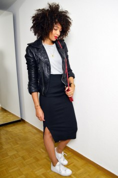 mercredie-blog-mode-geneve-suisse-tshirt-shesinside-leather-biker-jacket-perfecto-balenciaga-curly-natural-hair-nappy-stan-smith2