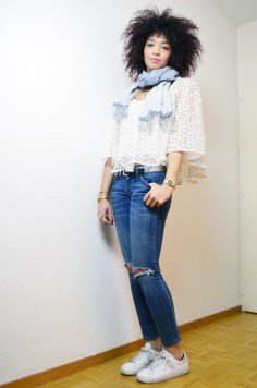 mercredie-blog-mode-geneve-suisse-zara-top-dentelle-jean-current-elliott-stan-smith-look-outfit-inspiration-krama-heritage3