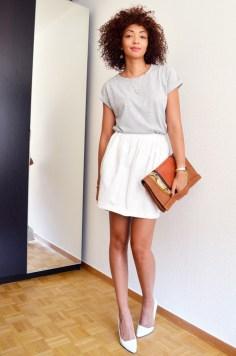 mercredie-blog-mode-geneve-t-shirt-boyfriend-asos-gris-afro-hair-cheveux-naturels-nappy-boucles-collier-cristaux-sac-abaco-pochette-talons-zara-escarpins-blancs