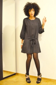 mercredie-blog-mode-look-lookbook-style-hm-sandales-compensees-robe-grise-pineapple-galeries-lafayette