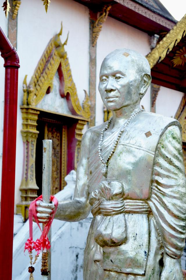 mercredie-blog-mode-voyage-thailande-statue