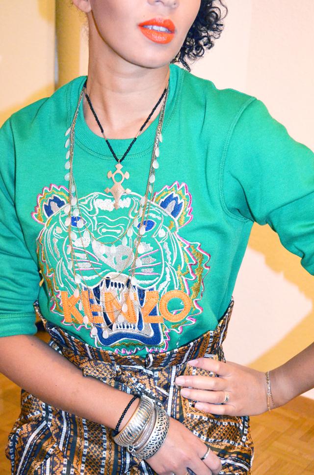 mercredie-blog-mode-beaute-fashion-look-outfit-kenzo-tiger-sweater-sweater-soldout-green-tigre-jupe-africa-asos-skirt-african-albatorock-ersatz-8