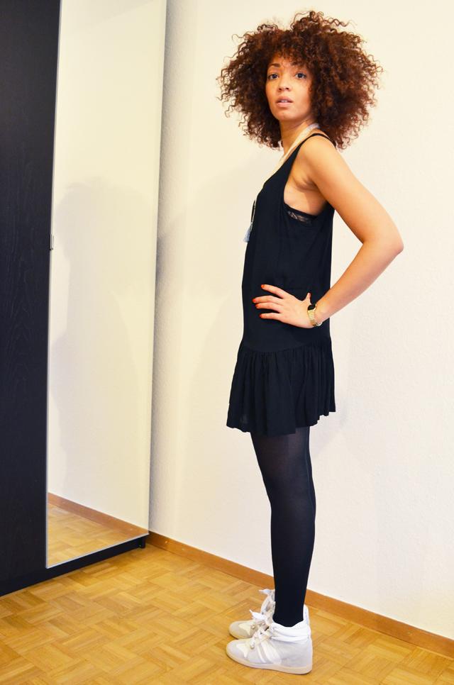 mercredie-blog-mode-beaute-bijoux-concours-collier-les-biches-robe-asos-serafini-white-manhattan3