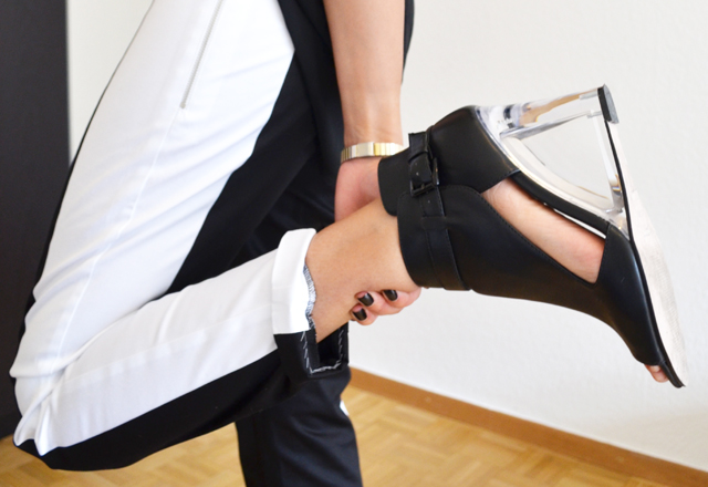 mercredie-blog-mode-pantalon-groom-rayure-bande-chaussures-sandales-talons-transparents-h&m-asos-margiela-zoom