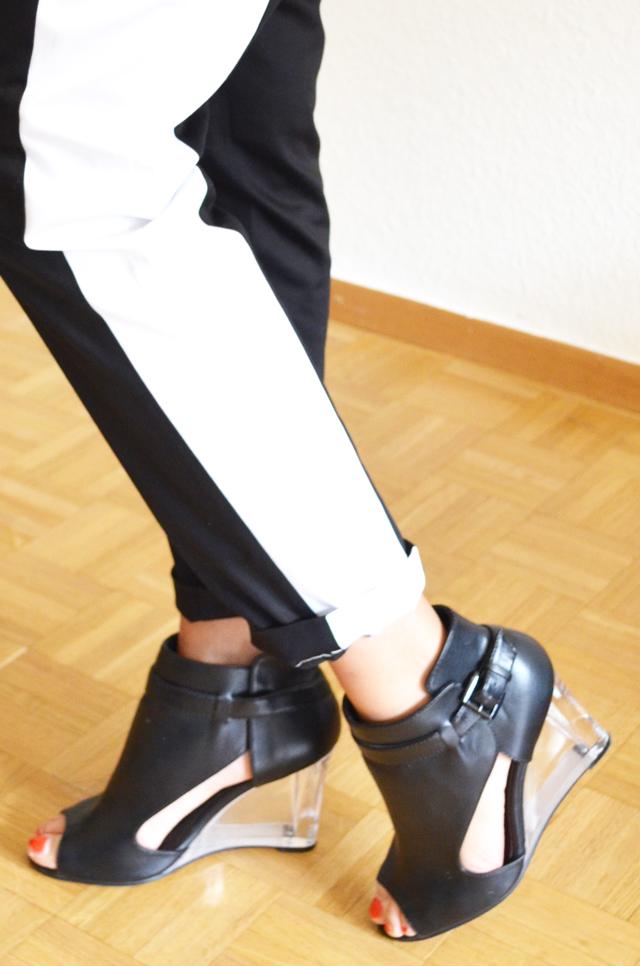 mercredie-blog-mode-pantalon-groom-rayure-bande-chaussures-sandales-talons-transparents-h&m-asos-margiela5