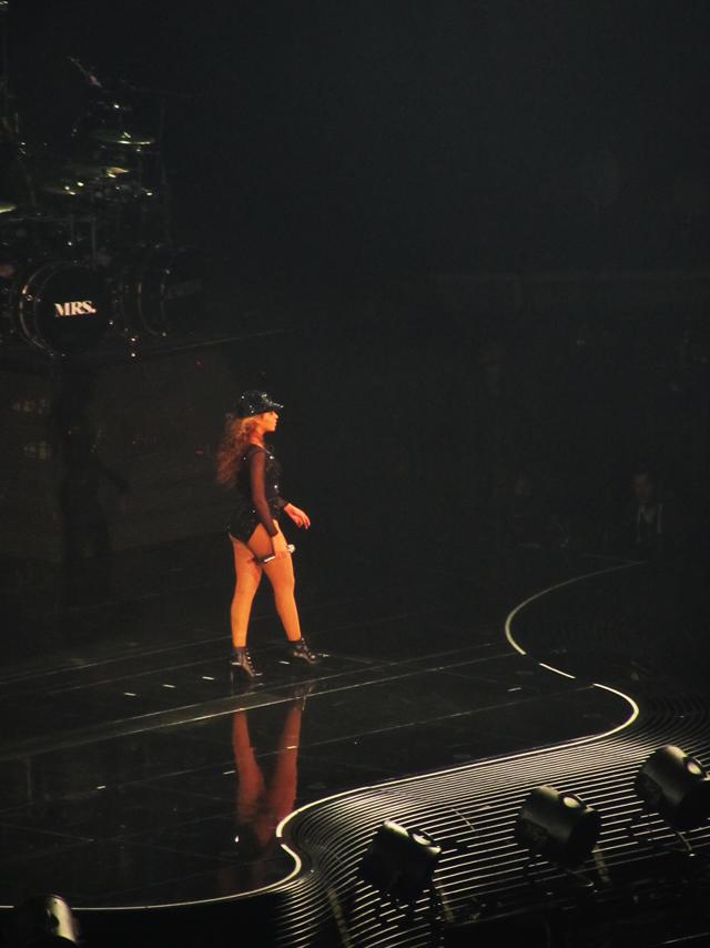 mercredie-blog-mode-Zurich-Beyonce-concert-Suisse-Hallenstadion-mrs-carter-show-live3