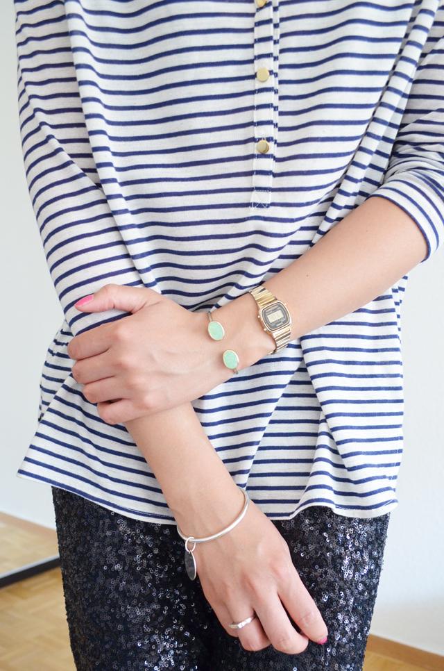 mercredie-blog-mode-geneve-suisse-mariniere-h&m-pantalon-legging-sequins-noirs-bracelets-aldojpg