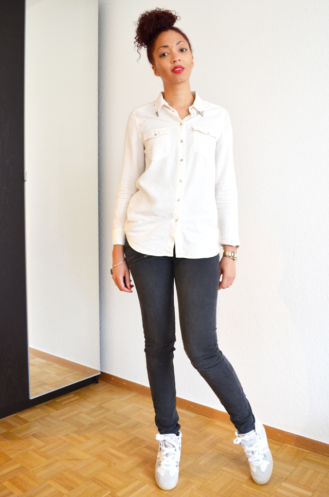mercredie-blog-mode-geneve-suisse-serafini-manhattan-afro-hair-cheveux-frises-bun-chignon-chemise-mango-col