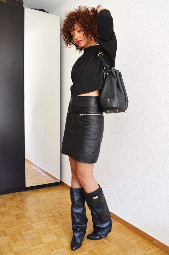 mercredie-blog-mode-geneve-suisse-boots-bottes-choies-givenchy-shark-ersatz-jupe-cuir-zip-h&m-pull-crop-top-zara-2013-sac-apc-sceau-cuir