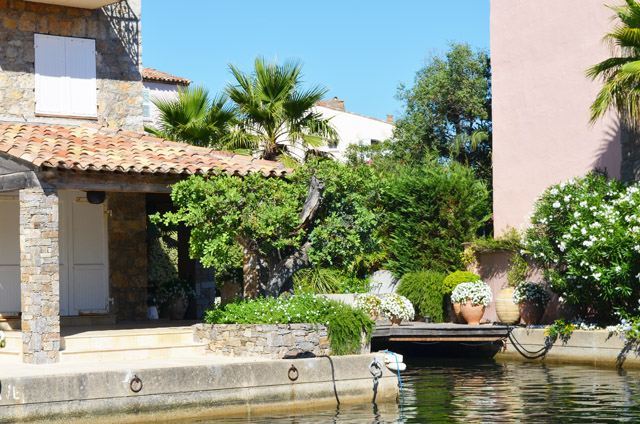 mercredie-blog-mode-vacances-st-tropez-capitou-bateau-port-grimaud