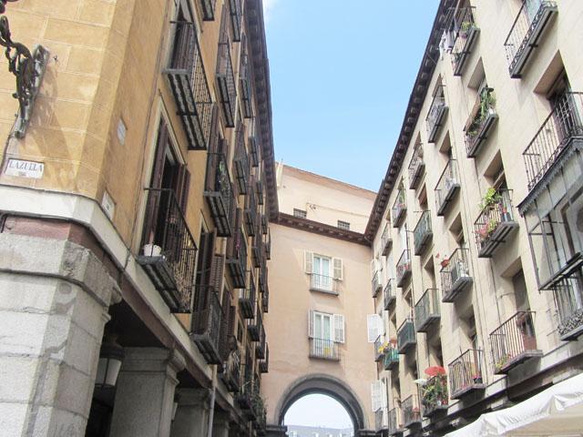 mercredie-blog-mode-voyage-tourisme-madrid-ruelles