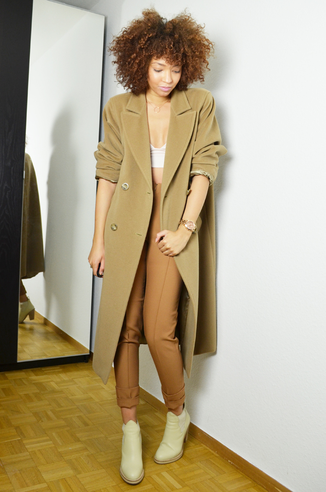 mercredie-blog-mode-geneve-suisse-blogueuse-mode-bottines-acne-beige-vanilla-star-h&m-manteau-coat-oversized-camel-maxmara-crop-top-afro-hair-nappy-natural-marc-by-marc-jacobs