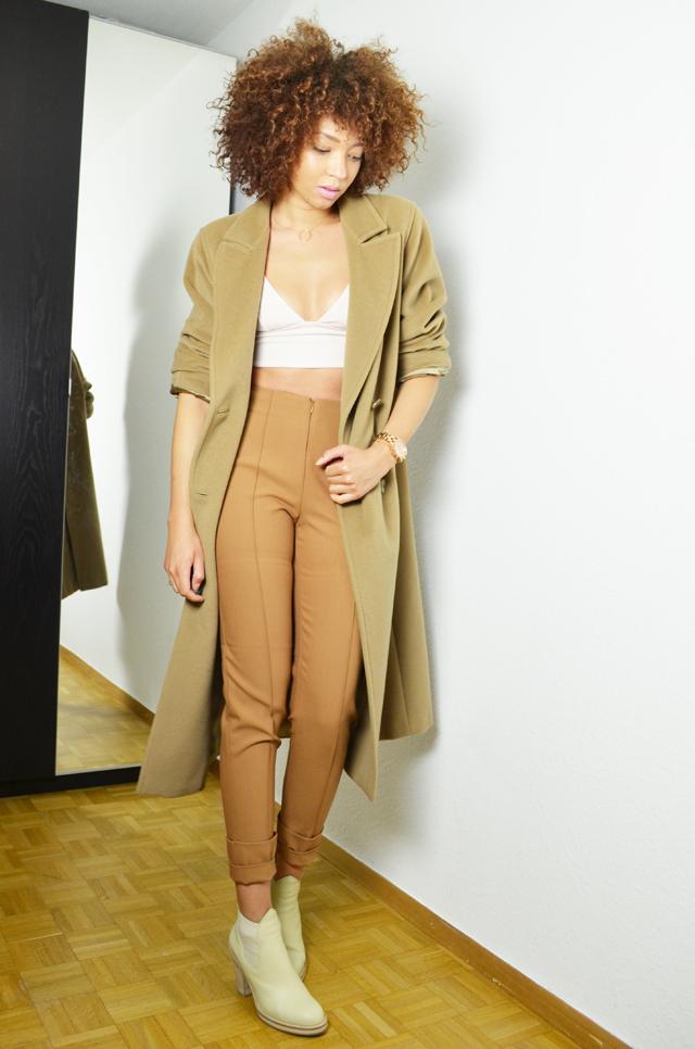 mercredie-blog-mode-geneve-suisse-blogueuse-mode-bottines-acne-beige-vanilla-star-h&m-manteau-coat-oversized-camel-maxmara-crop-top-afro-hair-nappy-natural