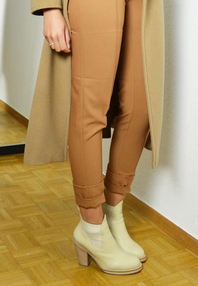 mercredie-blog-mode-geneve-suisse-blogueuse-mode-bottines-acne-beige-vanilla-star-h&m-manteau-coat-oversized-camel-maxmara