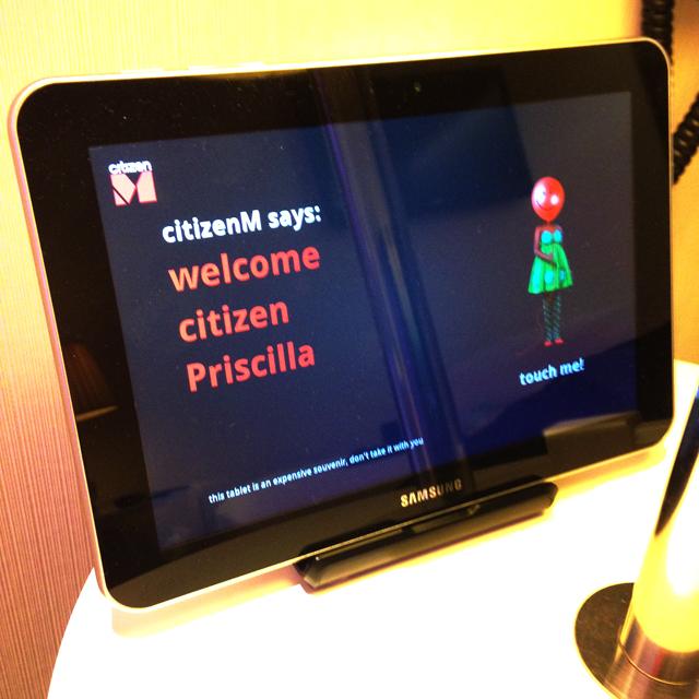 mercredie-blog-mode-voyage-londres-sejour-hotel-recommendation-avis-test-citizenm-bankside-london-blogger-room