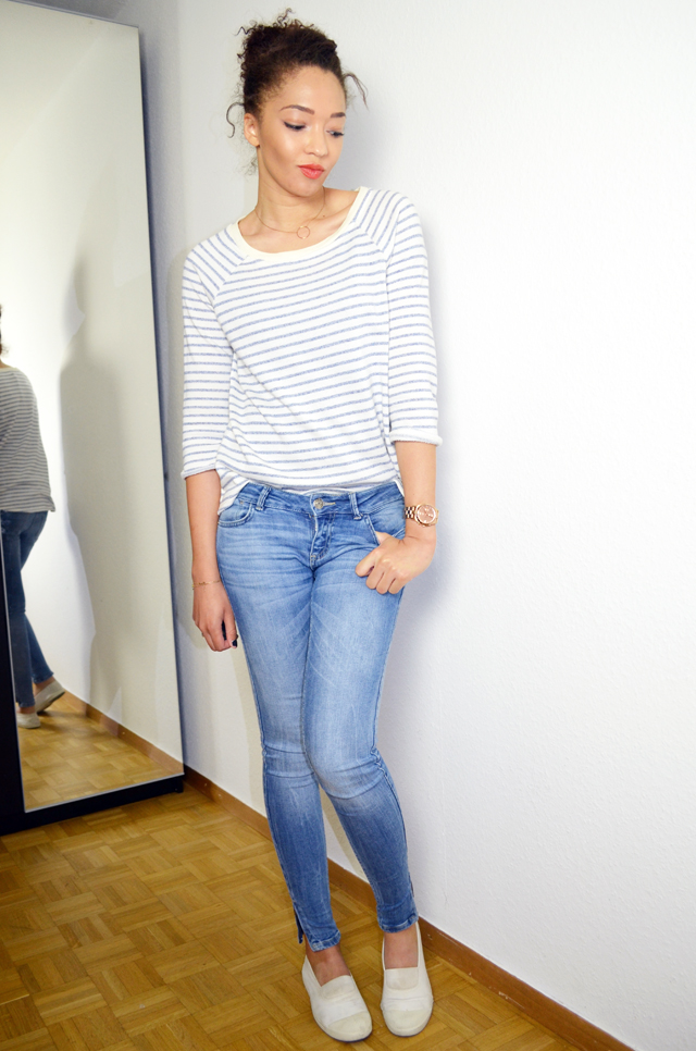 mercredie-blog-mode-geneve-mariniere-lafayette-collection-jean-slim-skinny-zara-zip-bun-curly-hair-nappy-afro-natural-bensimon-blanches-look