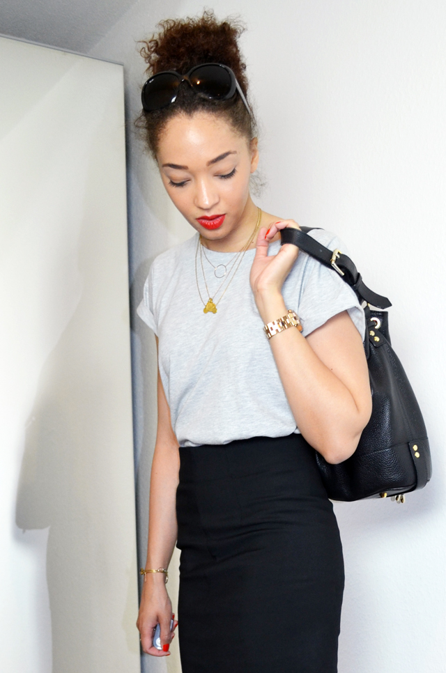 mercredie-blog-mode-geneve-pencil-skirt-look-jupe-crayon-zara-boyfriend-tshirt-bun-afro-hair-sac-apc-seau