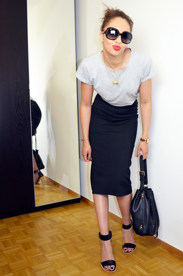 mercredie-blog-mode-geneve-pencil-skirt-look-jupe-crayon-zara-boyfriend-tshirt-cos-sandales-bun-afro-hair-sac-apc-seau-jacky-o-rayban2