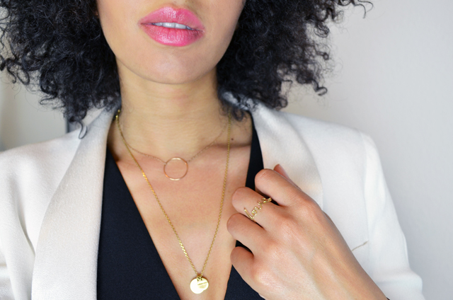mercredie-blog-mode-geneve-suisse-blogueuse-bloggeuse-top-peplum-frontrowshop-afro-hair-natural-nappy-blazer-bash-yves-rocher-lili-shopping-rouge-brillance-vegetale-rose-grenadine-bague-ring-love-gold