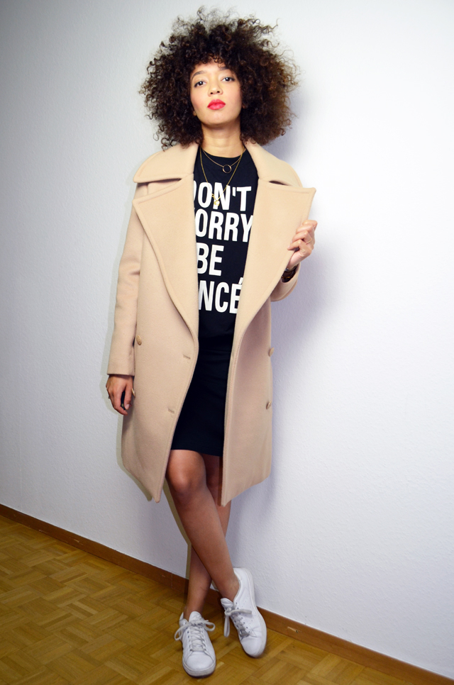 mercredie-blog-mode-geneve-sweat-shirt-sheinside-dont-worry-be-yonce-beyonce-curly-afro-natural-curls-hair-stan-smith-adidas-echarpe-h&m-manteau-oversized-boyfriend-camel-coat-beige-fiamma-stella-mc-cartney3