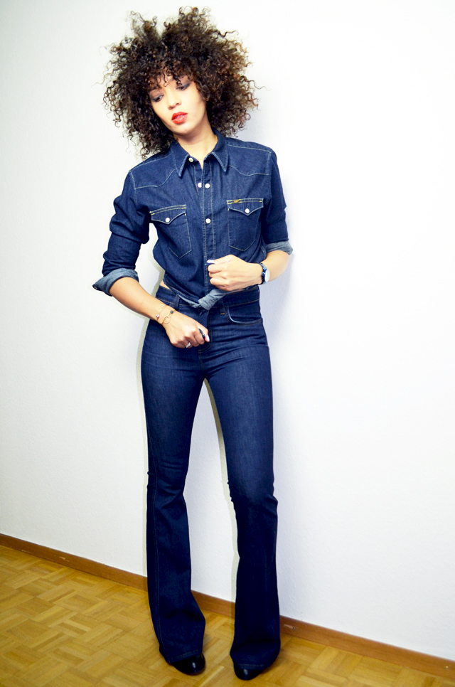 mercredie-blog-mode-guess-instant-bleu-montre-W0448L5-denim-total-look-lee-j-brand-dumbell-afro-hair-natural-nappy-curls-curly-cheveux-frises-boucles